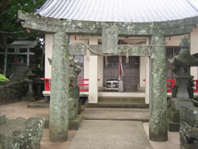 小川島田島神社奉納鳥居.jpg